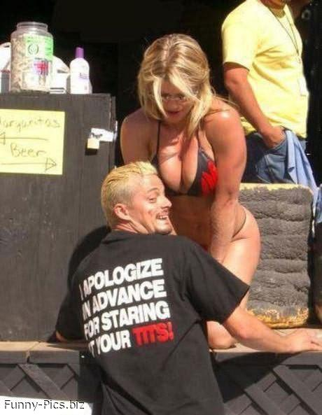 Crazy T-Shirts: Tits Staring