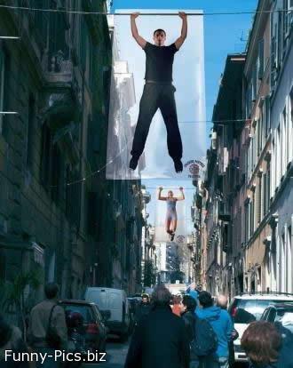 Street decoration: Hanging men